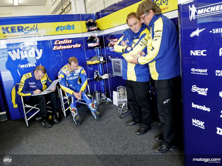 Colin Edwards in Tech3 Yamaha garage