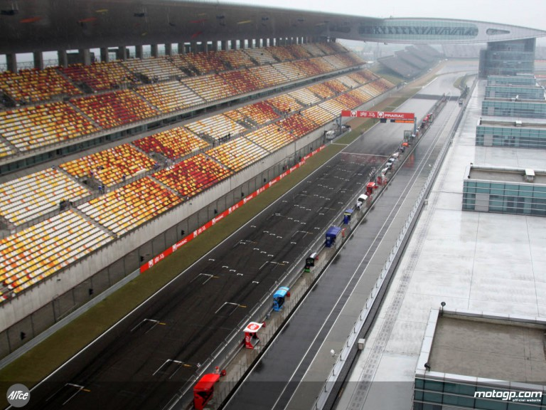 Rain hits the Shanghai International Circuit
