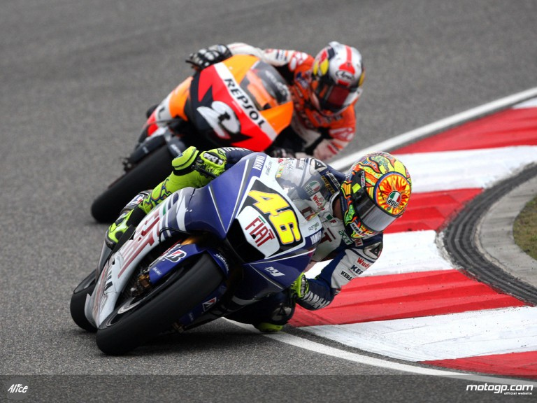 Rossi and Pedrosa in action in Shanghai (MotoGP)