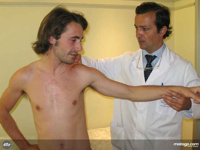 Pablo Nieto being treated for broken left collarbone by Dr Angel Vilamor