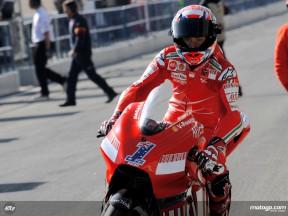 Casey Stoner leaving Ducati Marlboro garage