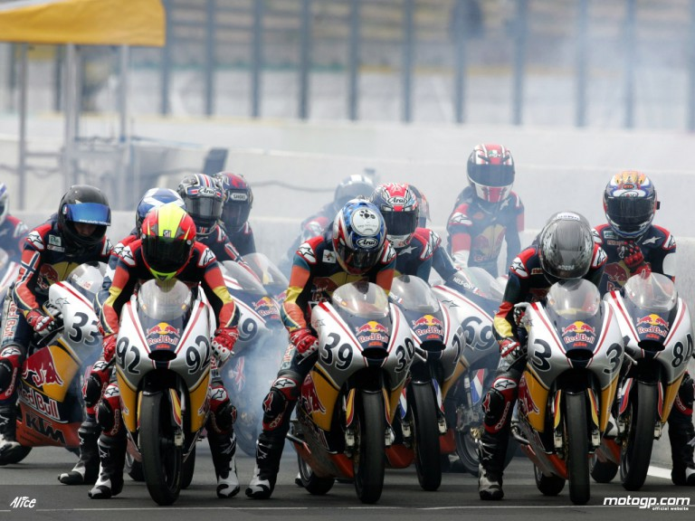 Red Bull MotoGP Rookies lining-up for qualifying at Le Mans