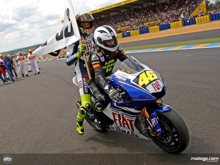 Valentino Rossi and Angel Nieto celebrate Italian´s 90th win