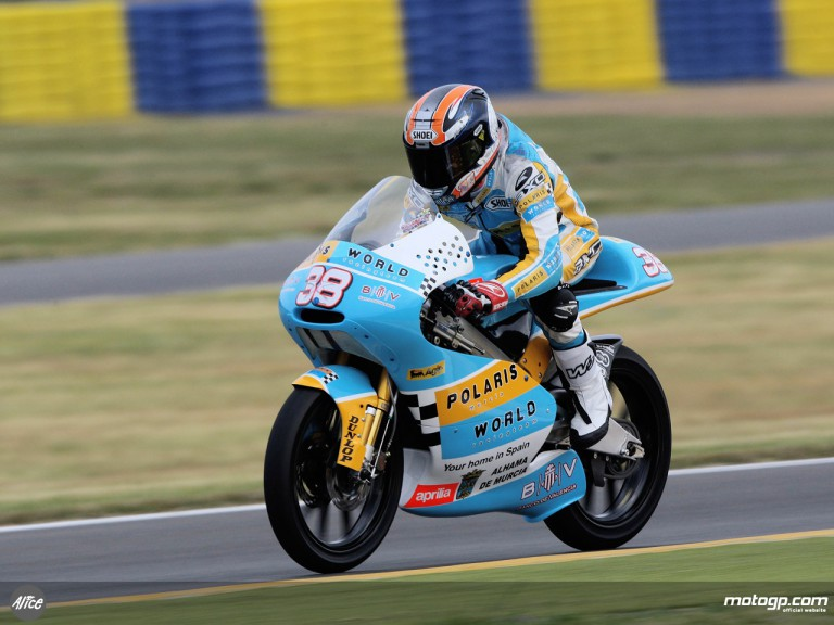 Bradley Smith in action in Le Mans (125cc)
