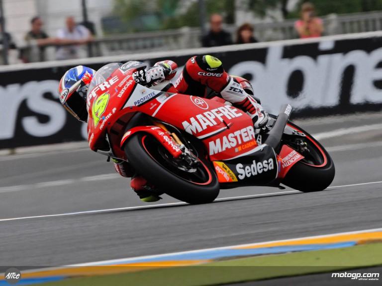 Alvaro Bautista in action in Le Mans (250cc)