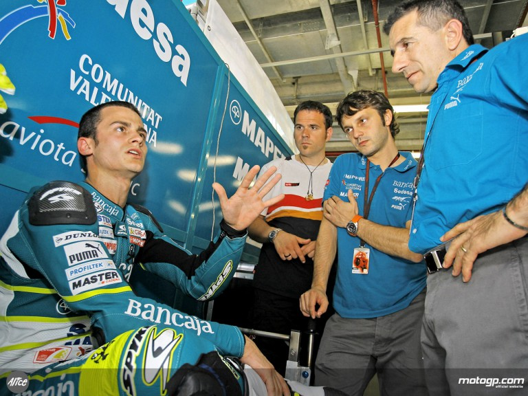 Sergio Gadea in the Bancaja Aspar Team garage