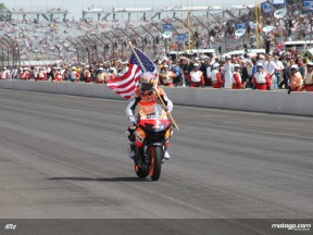 Nicky Hayden completes his parade lap at Indy 500