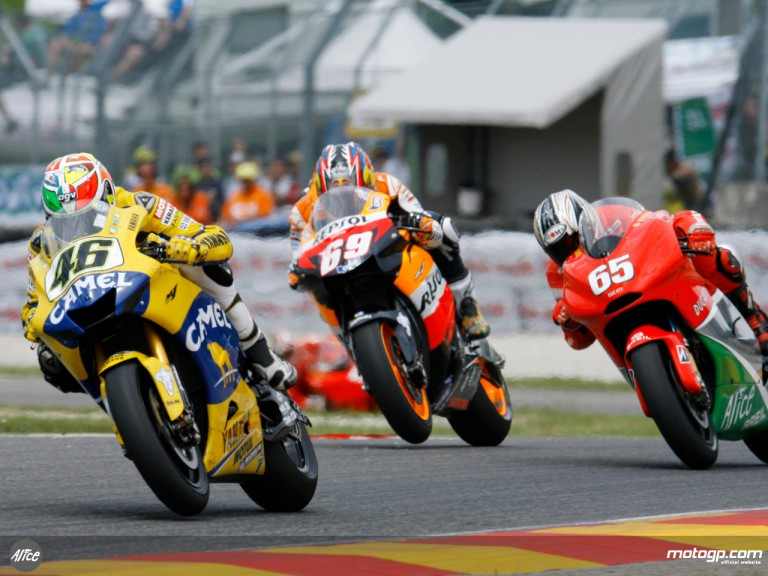 Valentino Rossi leading the way at Mugello in 2006, ahead of Hayden and Capirossi