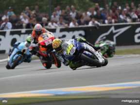 Yamaha´s Valentino Rossi on his way to his second consecutive 2008 win at le Mans