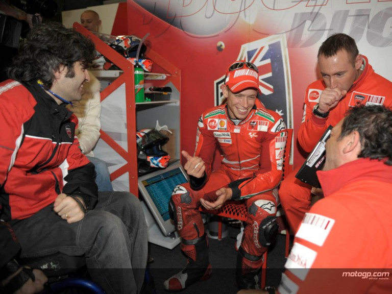 Ducati Technical Director Filippo Preziosi, Casey Stoner and his technical staff
