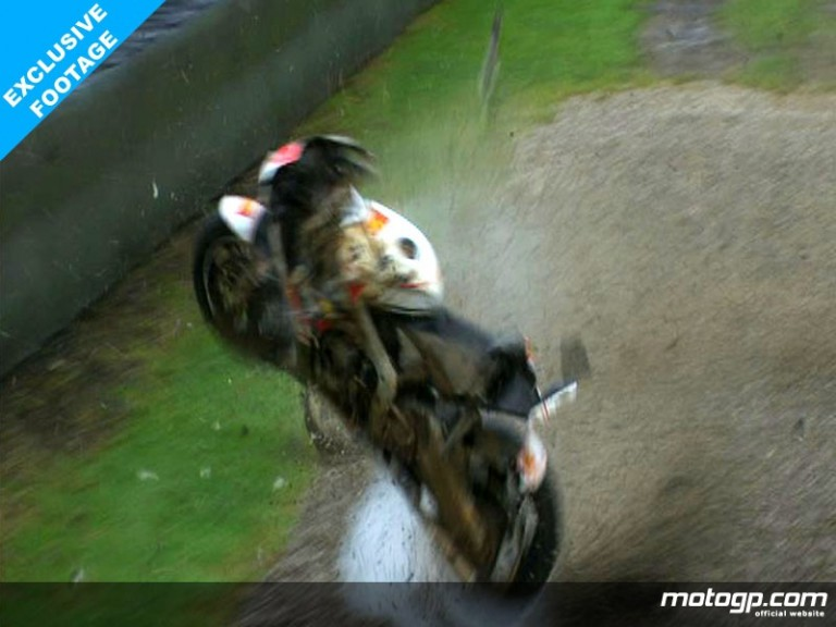 Shinya Nakano crashes in the second free practice session in the wet at Mugello