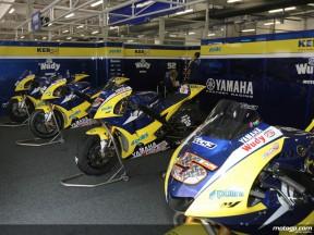 Tech3 Yamaha pit-box