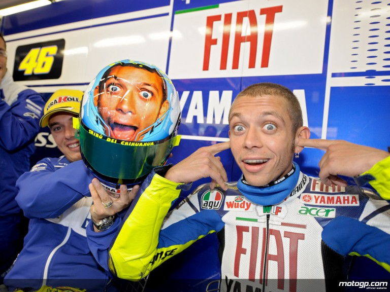 Valentino Rossi with his assistant Uccio in the Fiat Yamaha box