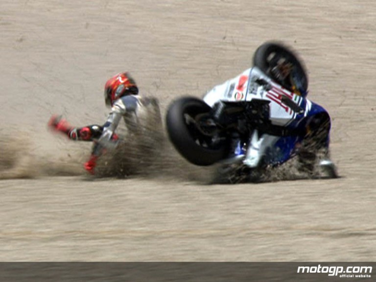 Jorge Lorenzo suffers heavy crash in the second free practice session at Catalunya