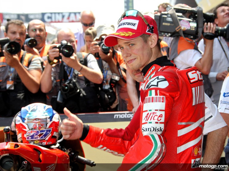 Casey Stoner takes pole in Catalunya