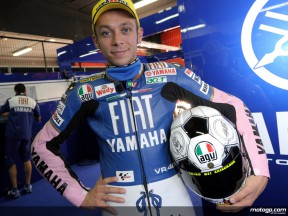 Valentino Rossi shows off his `Azzurri´ team kit at Catalunya