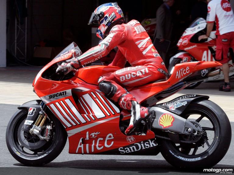 Casey Stoner debuts the Desmosedici GP9 at Catalunya test