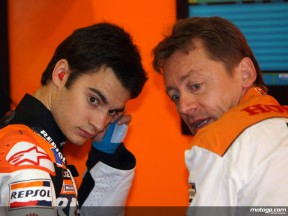 Dani Pedrosa and his chief mechanic Mike Leitner in the Repsol Honda garage