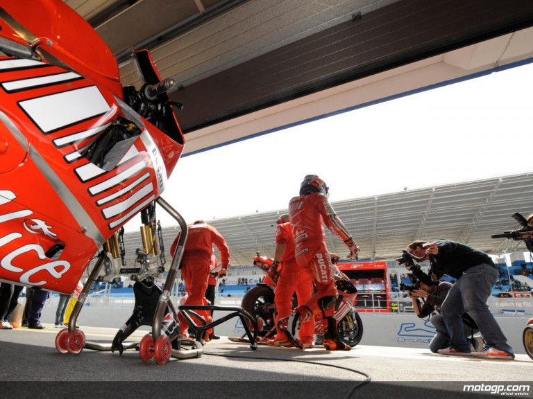 Inside the Ducati Marlboro box