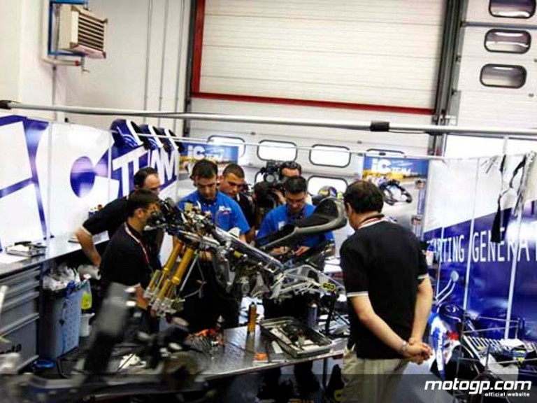 IC Team welcome junior mechanics in their garage