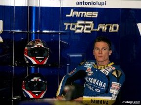 James Toseland in the Tech 3 Yamaha team garage (MotoGP)