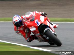 Best images of MotoGP FP2 in Donington Park