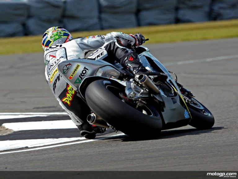Andrea Dovizioso in action in Donington (MotoGP)