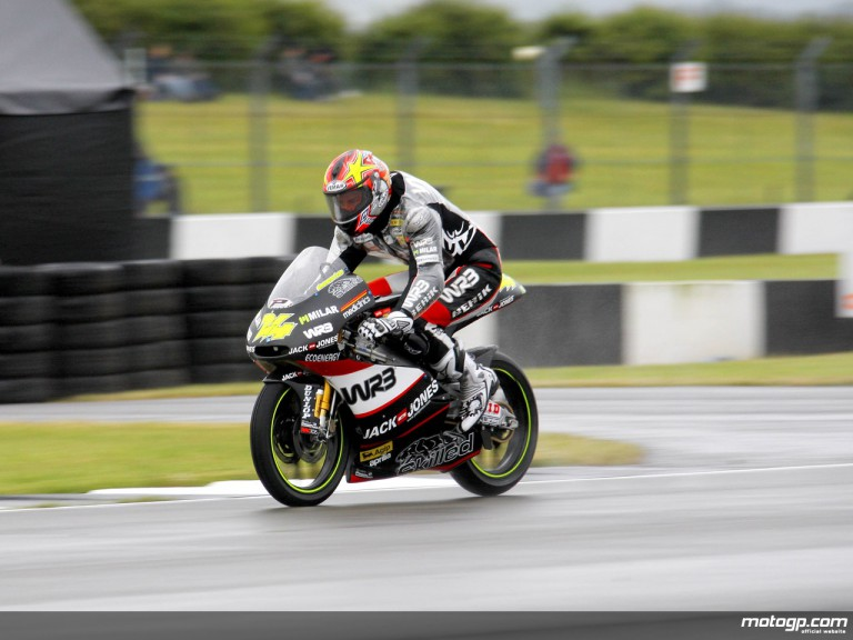 Simone Corsi in action in Donington (125cc)