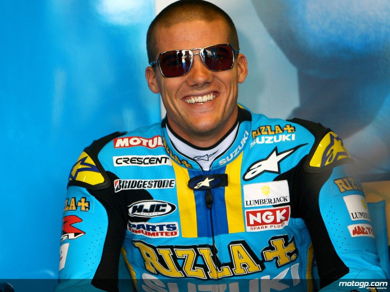 Ben Spies in the Rizla Suzuki garage
