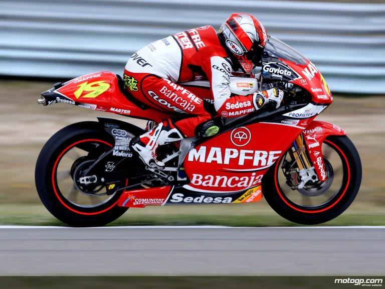 Alvaro Bautista in action in Assen (250cc)
