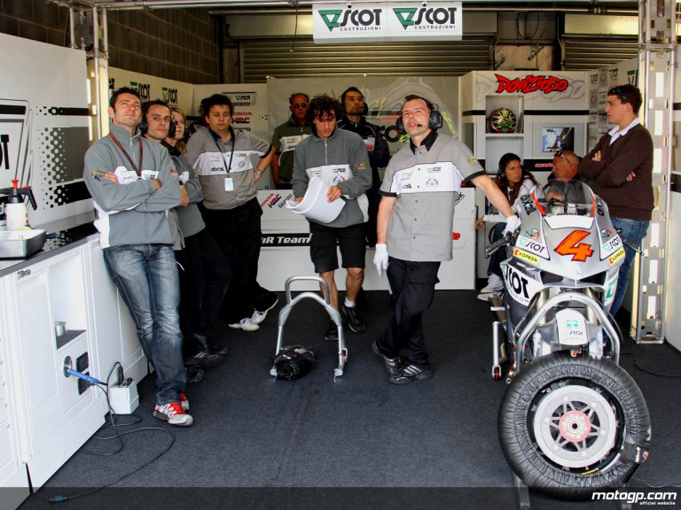 JiR Team Scot mechanics observing rider progression