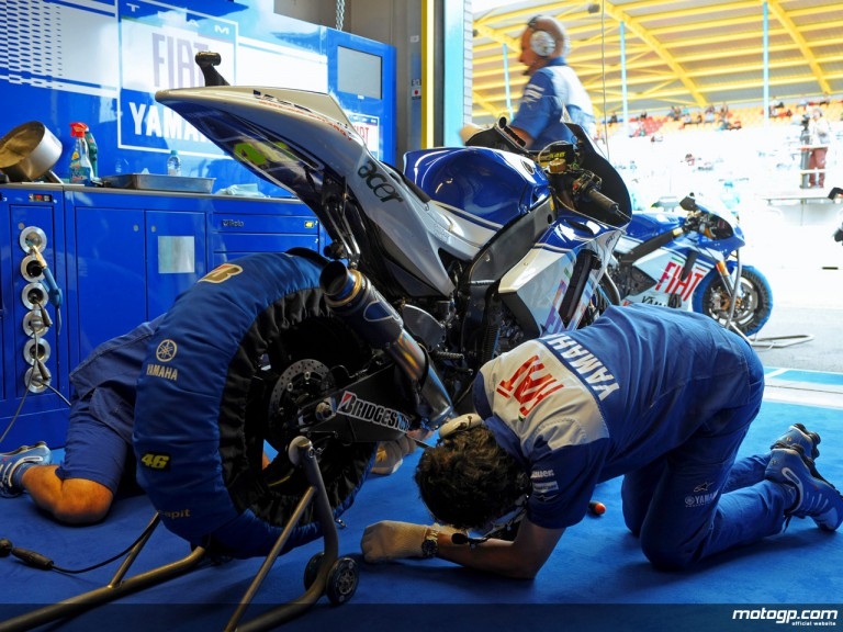 Fiat Yamaha staff at work in garage