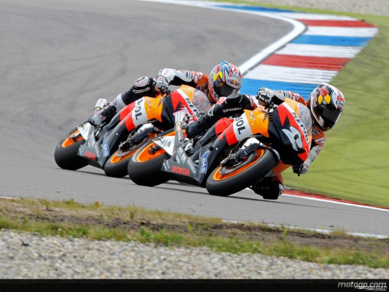 Pedrosa and Hayden in action in Assen (MotoGP)