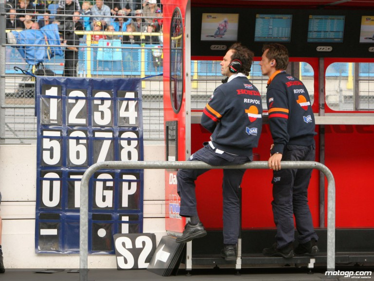 Dani Pedrosa crew chief Alberto Puig and chief mechanic Mike Leitner