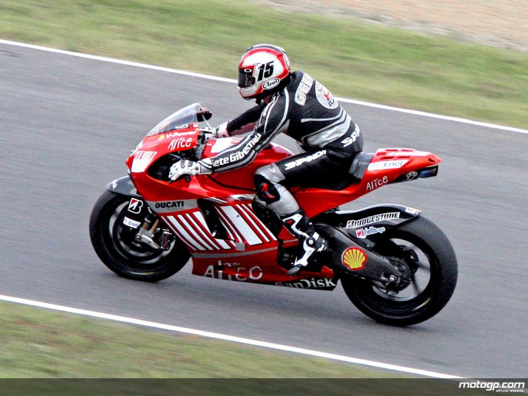 Sete Gibernau testing with Ducati Corse at Mugello