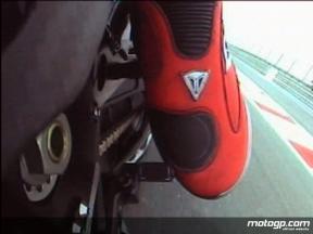 Lorenzo OnBoard Lap: Gear change focus