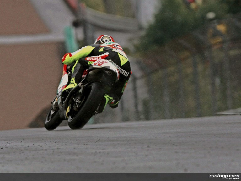 Marco Simoncelli in action in Sachsenring (250cc)