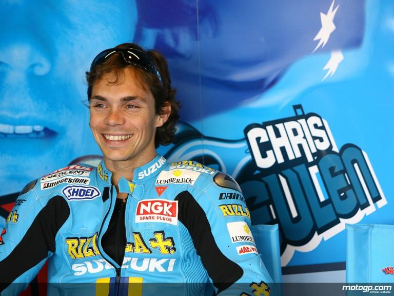Chris Vermeulen in the Rizla Suzuki garage