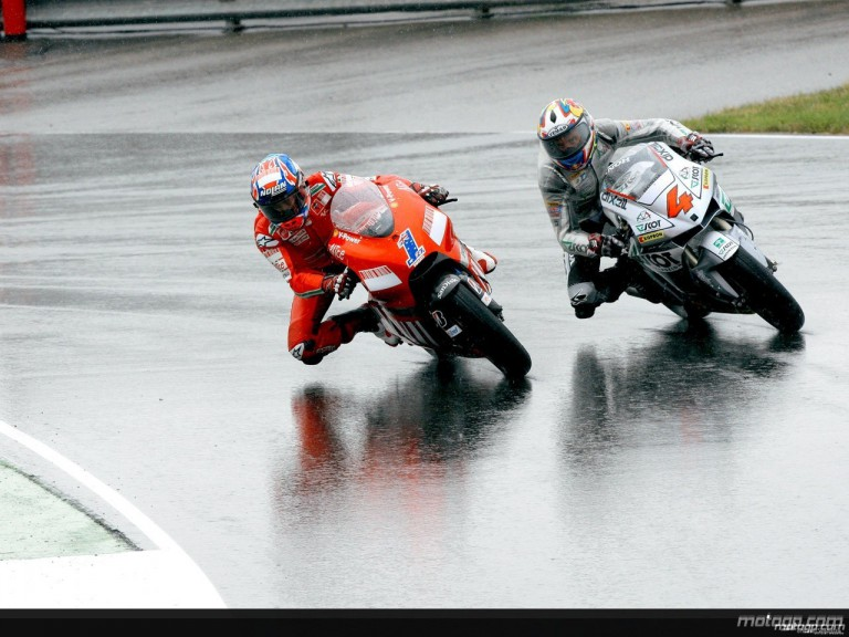 Stoner and Dovizioso in action in Sachsenring  (MotoGP)
