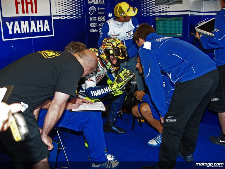 Valentino Rossi in the Fiat Yamaha garage (MotoGP)