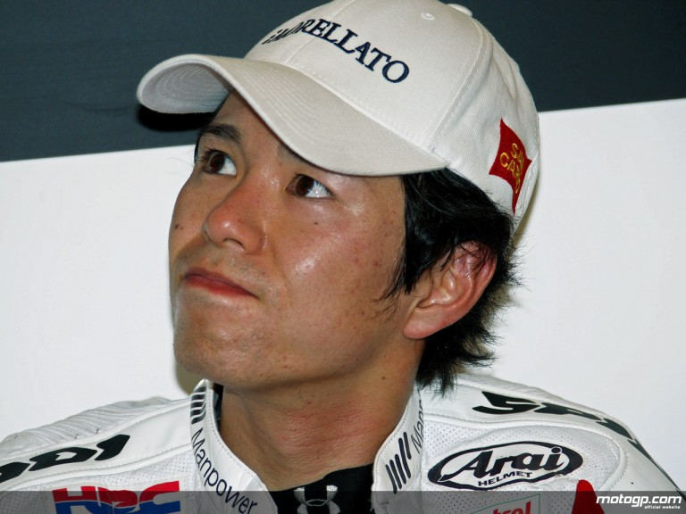 Shinya Nakano in the San Carlo Honda garage (MotoGP)