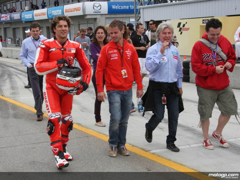 Spanish pop singer David Bisbal with Alvaro Bautista and Angel Nieto ahead of his MotoGP2 run at Laguna Seca
