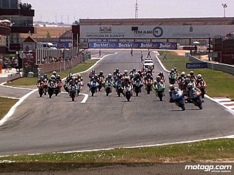 125GP race start at the fourth round of the Spanish Championship in Albacete