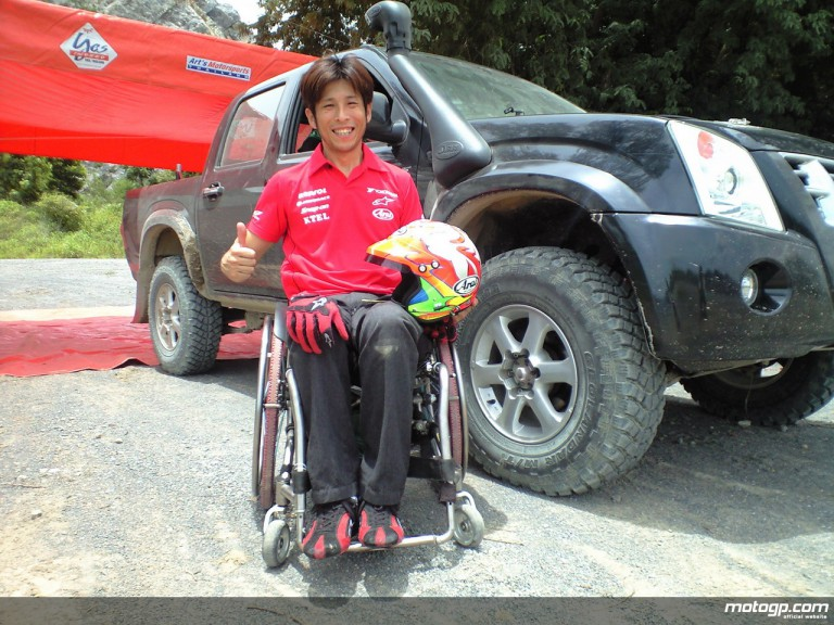 Ex-500cc rider Takuma Aoki challenges the rally race