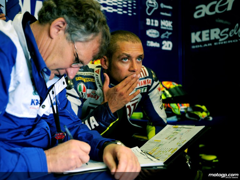 Valentino Rossi and his crew chief Jeremy Burgess in the Fiat Yamaha garage (MotoGP)