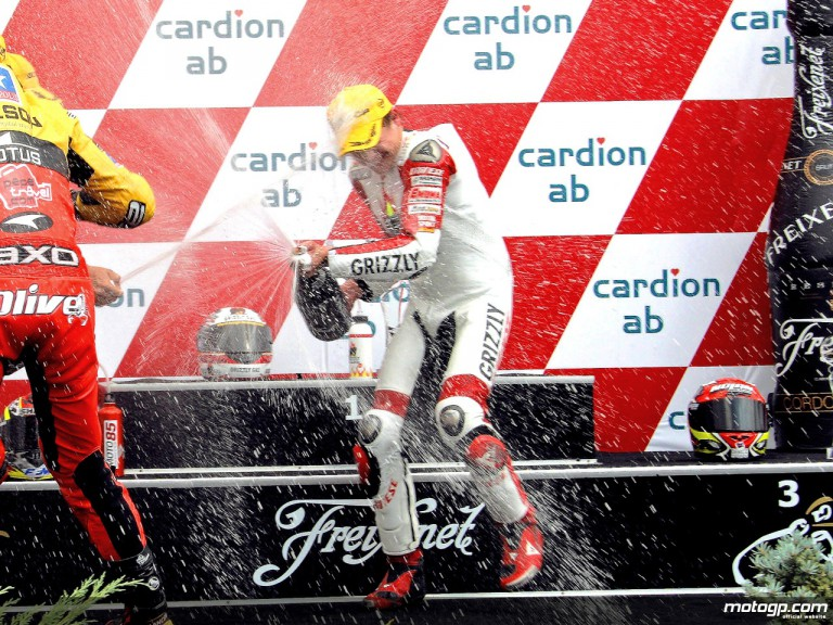Stefan Bradl celebrating podium at Brno (125cc)