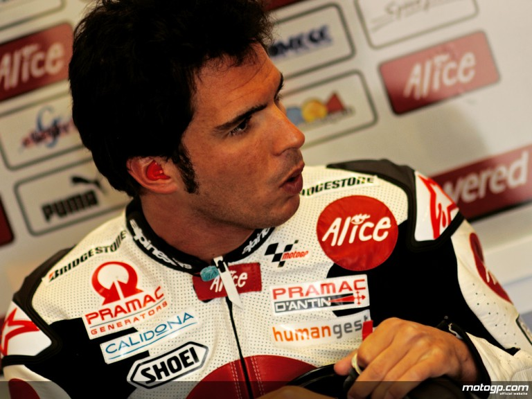 Toni Elias in the Alice Team garage(MotoGP)