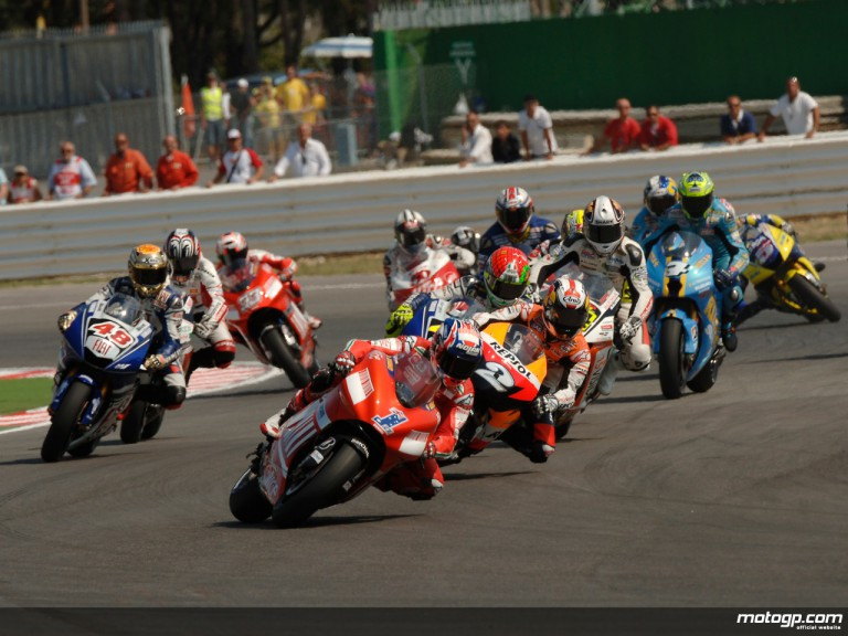 MotoGP pack led by reigning World Champion Casey Stoner