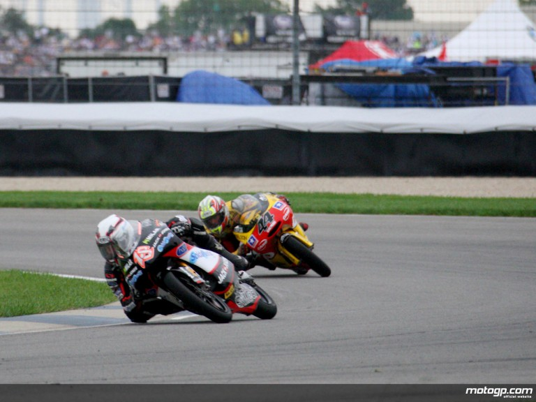 Nicolas Terol riding ahead Pol Espargaró at Indianapolis (125cc)