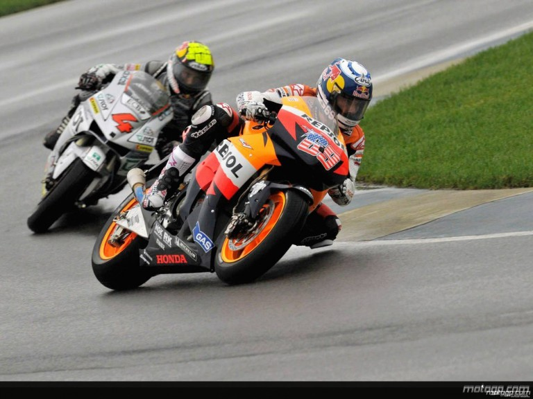 Nicky Hayden riding ahead of Andrea Dovizioso at Indianapolis